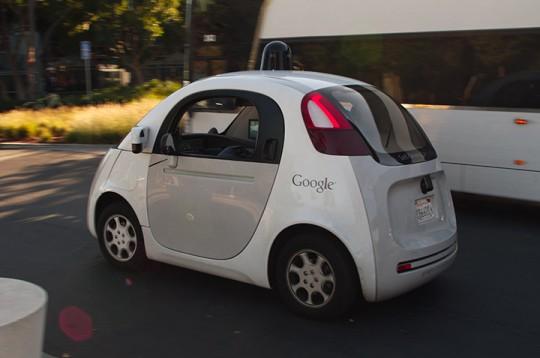 구글의 무인자동차 출처: Wikipedia