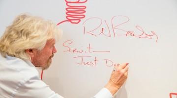 """리처드 브랜슨이 말하는 """"새해 결심 지키는 10가지 방법"""""""