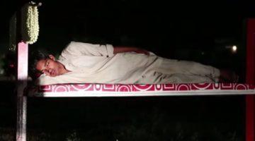 광고판의 변신 : 노숙인들의 침대가 되다