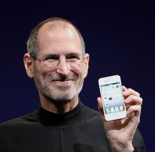 Steve_Jobs_Headshot_2010-CROP