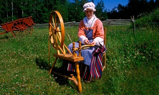 Spinster는 원래 단순히 실을 짓는 여성을 의미했다. 사진: Alamy