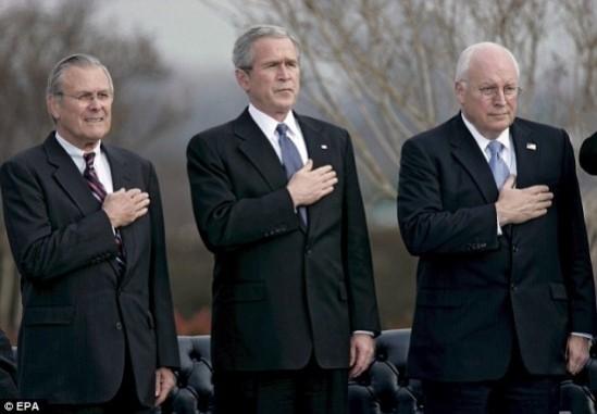 세상을 망친 악의 축 3인방. 왼쪽부터 럼스펠드, 부시, 체니.