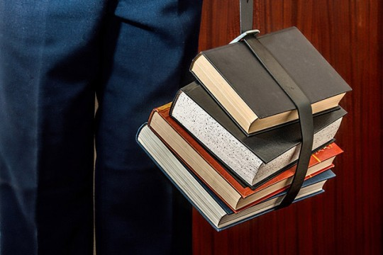 books-1012088_