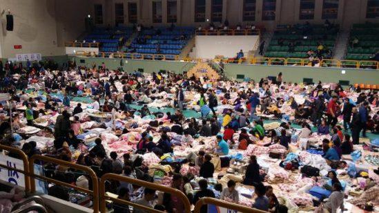 세월호 참사 당시 진도 실내체육관의 모습