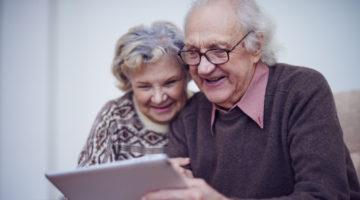 은퇴한 부모님께 활력을 불어넣어 드릴 제품 & 서비스 6선