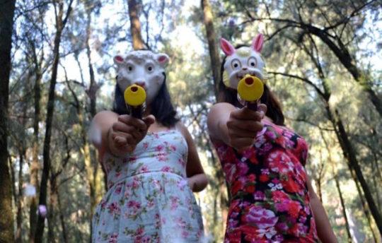 las-hijas-de-la-violencia-confetti-guns-810x516