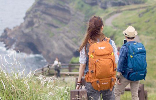 여행자들을 위한 배낭 회사로 시작했다.
