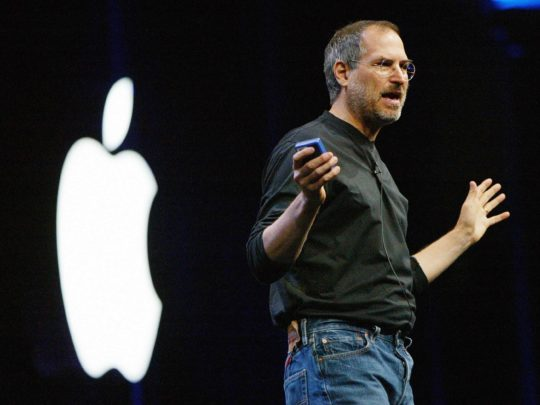 the-simple-3-step-formula-that-made-steve-jobs-speeches-so-compelling