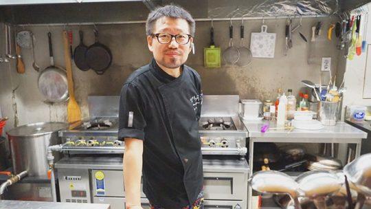 권주성 셰프가 운영하는 심야식당에서도 회부르다의 음식을 공급하고 있다