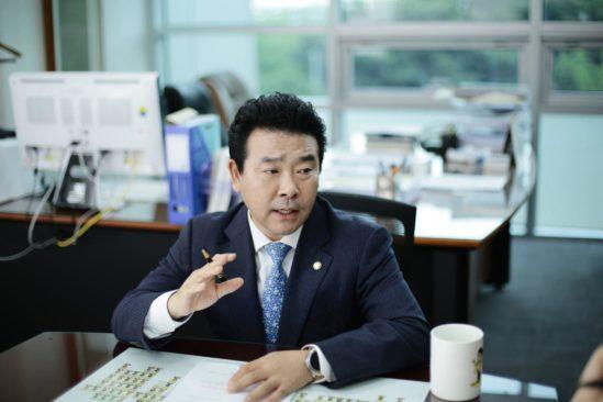 특별법을 발의한 더불어민주당 박정 의원