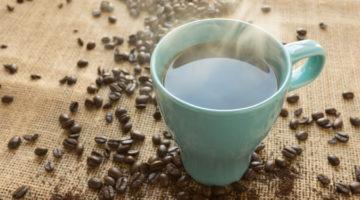 뜨거운 커피가 암을 유발할 수 있습니다