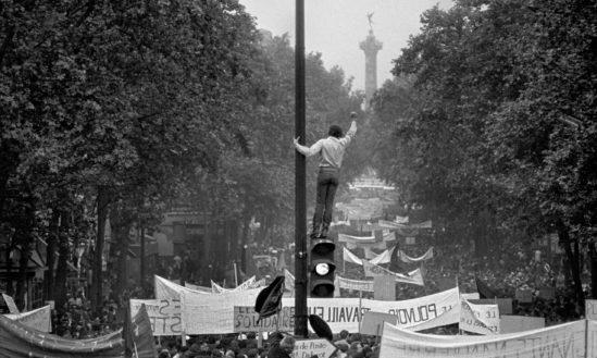 한때 백만 명의 사람들(당시 프랑스 인구의 약 22%)가 직접 시위에 참여하기도 했다. 출처: reddit