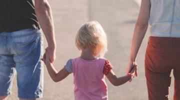 사랑하는 가족과 정치적인 견해 차이로 다투게 될 때