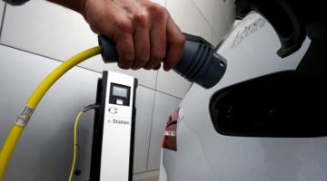 전기 자동차는 언제 주류가 될까?