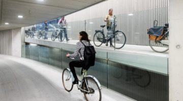 세계 최대의 지하 자전거 주차장을 건설하는 네덜란드