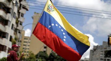 남미 최고 부국이었던 베네수엘라에 어떤 일이 벌어지고 있는가?