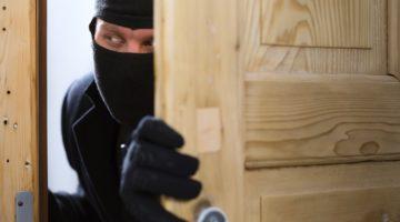 빈집에 들어오는 불청객을 막기 위한 4가지 방법