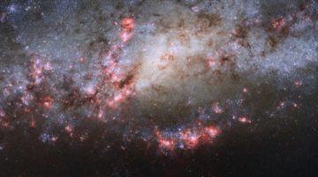 우주, 중력이 만드는 불꽃놀이