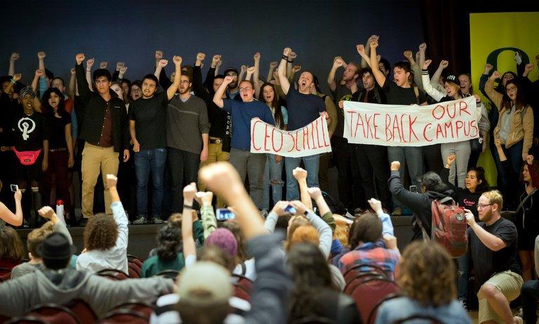 학생들의 파시즘 반대 운동은 잘못된 방향으로 가고 있습니다