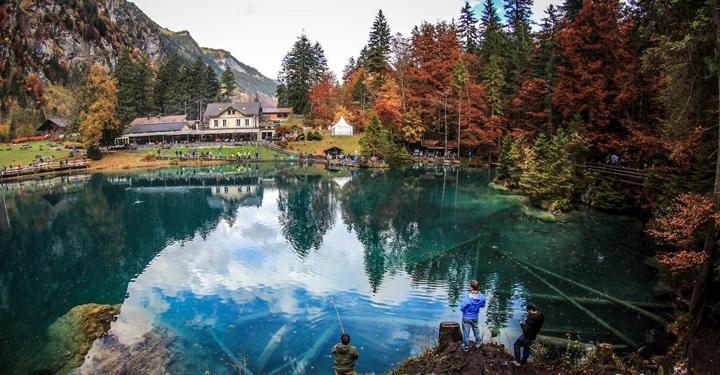 스위스에서 가장 아름다운 호수 12곳
