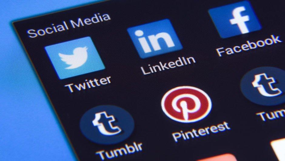 사람들은 왜 뉴스나 소셜미디어를 신뢰하지 않을까요?