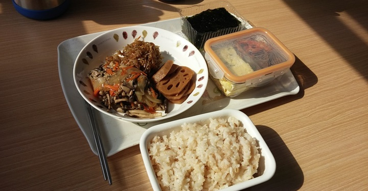'혼밥'은 공중보건의 문제다