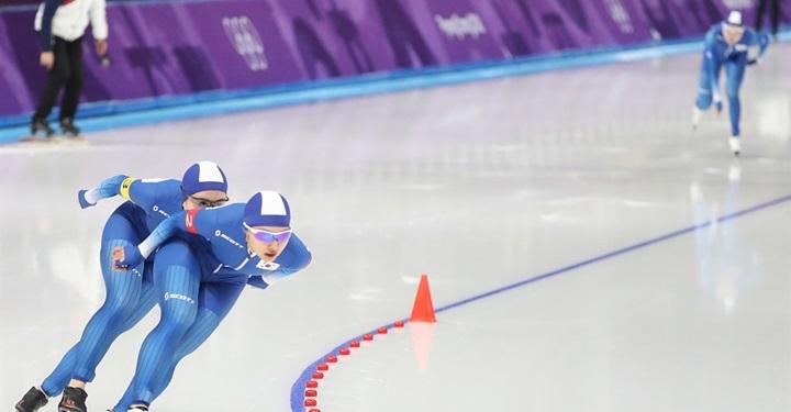 빙상연맹의 볼드모트, 그를 둘러싼 사람들