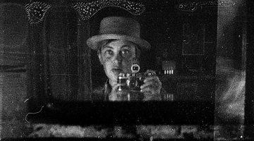 러시아의 비비안 마이어? 죽은 후 3만 장의 사진이 발견된 마샤 이바친소바