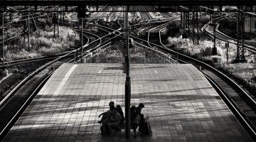 도시의 우울을 흑백 사진으로 담은 사진작가