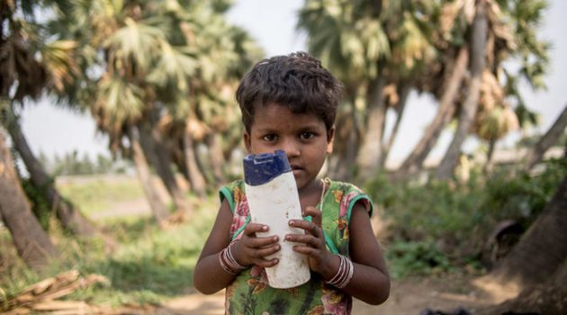아이의 장난감을 통해 세계 소득 불균형을 담다: '달러 스트리트'