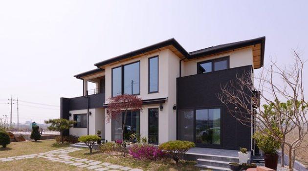 단정한 외관과 안정감이 돋보이는 집, 세교동 목조주택