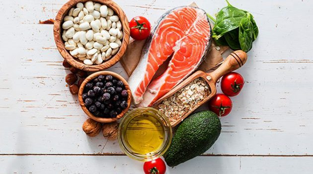 지중해 식단이 심혈관 질환 위험도를 낮추는 이유는?
