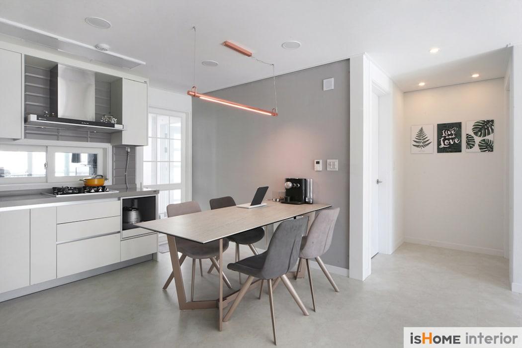 내추럴한 감성이 담긴 부천 아파트 인테리어 : 이즈홈의 주방