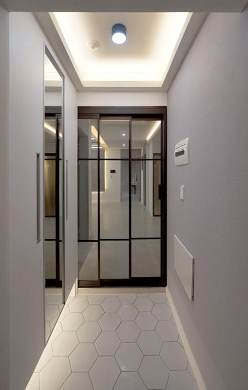 모던 인더스트리얼, 파주 빌라 프로젝트: 디자인 아버의 복도 & 현관