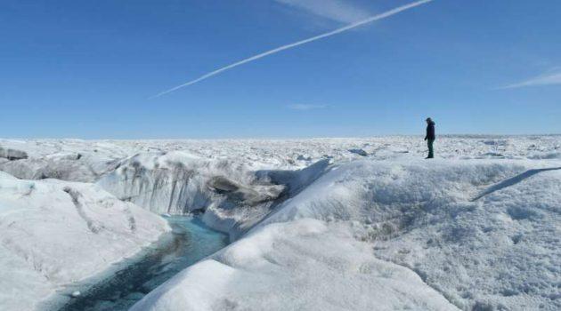 지구 온난화로 인해 그린란드에도 비가 내리기 시작했습니다