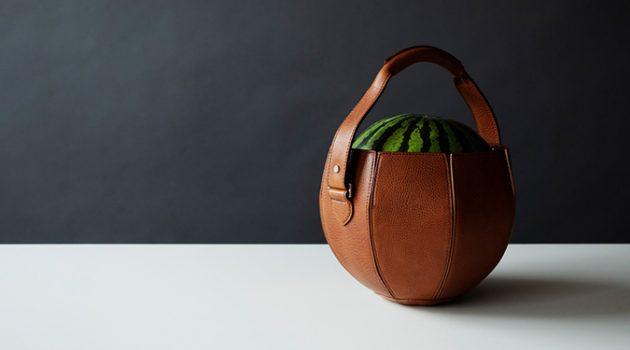오직 수박을 위하여… 가죽 공예 장인이 만든 명품 수박 가방