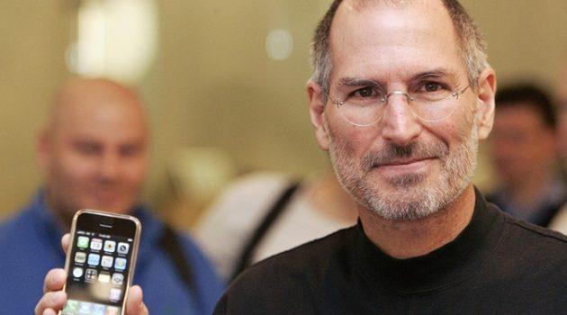 """애플 투자자들이여, """"승자의 저주""""를 조심하시라"""