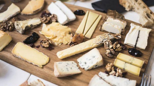 와인과 궁합이 맞는 치즈를 알아볼까요?