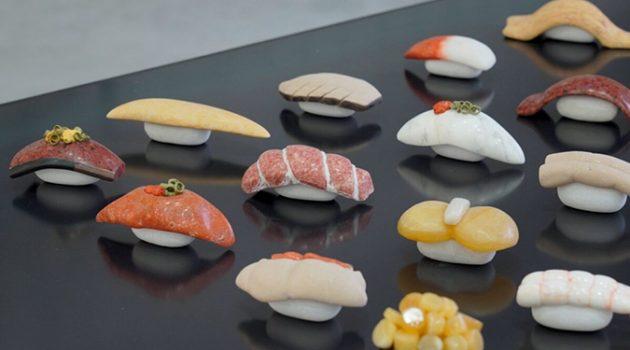 맛있는 생선초밥? 조심하세요, 돌로 만들었어요
