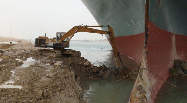 수에즈 운하의 현재 상황: 전 세계의 공급망이 막혀 있다