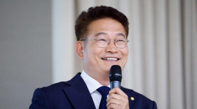 """""""지금 민주당에 필요한 건 유능한 개혁"""": 당대표 3수 송영길 의원 인터뷰"""