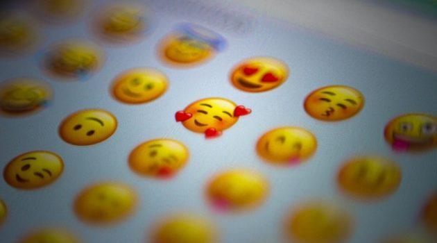 """행복을 위해 """"비교와 자기혐오""""를 멈춰주세요"""